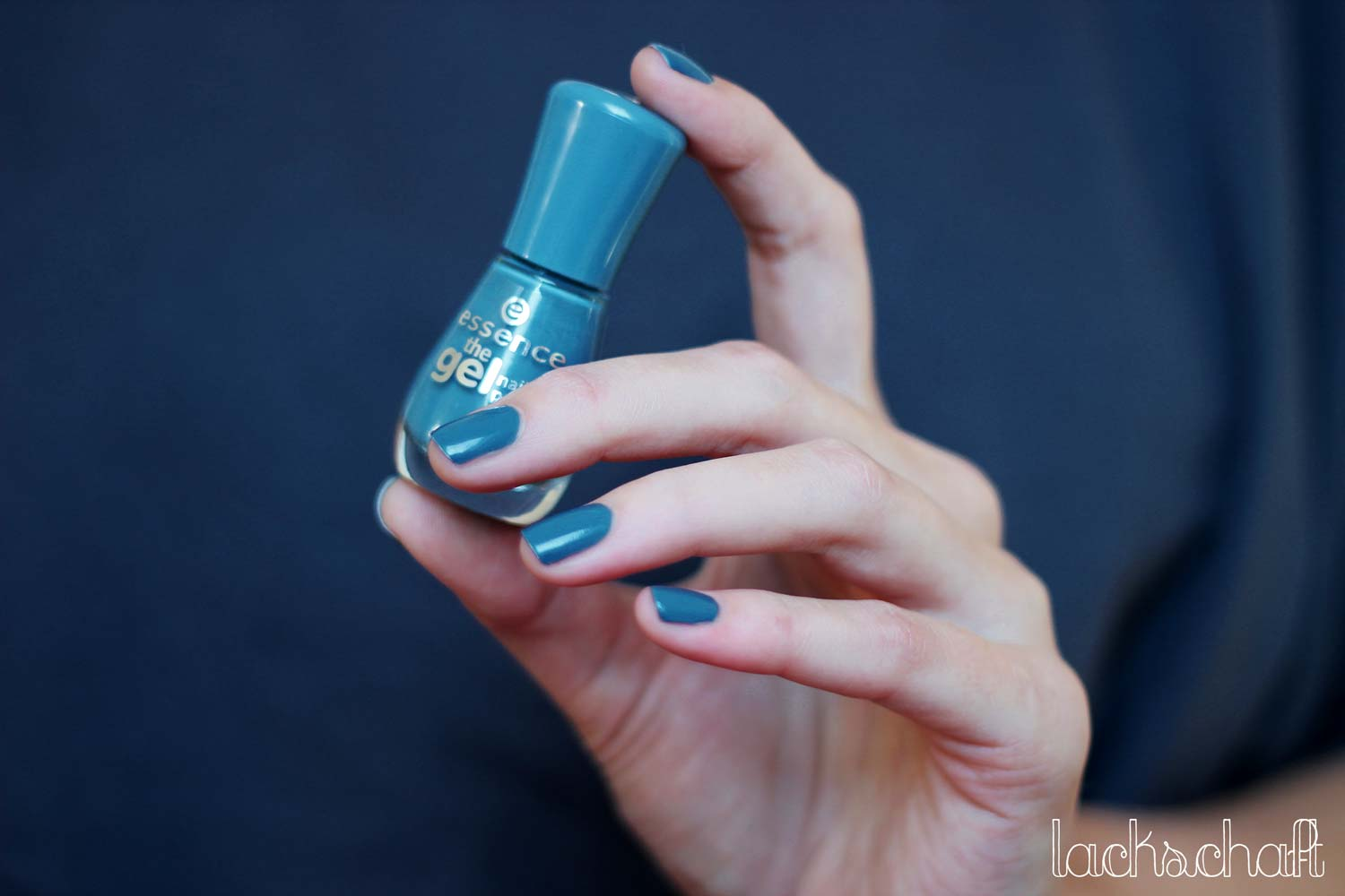 Essence-miss-captain-swatch2