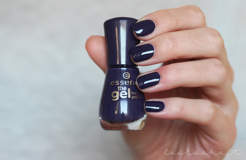 essence-the-gel-nail-polish-61-1001-party-nights