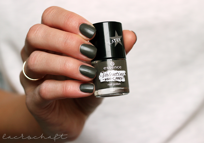 essence-valentine-who-cares-LE-love-blah-blah-blah-nailpolish