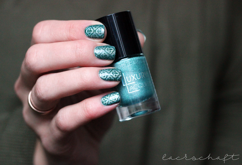 trenditup-nagellack-210-stamping-moyou-tourist-07-catrice-holo-in-one-2
