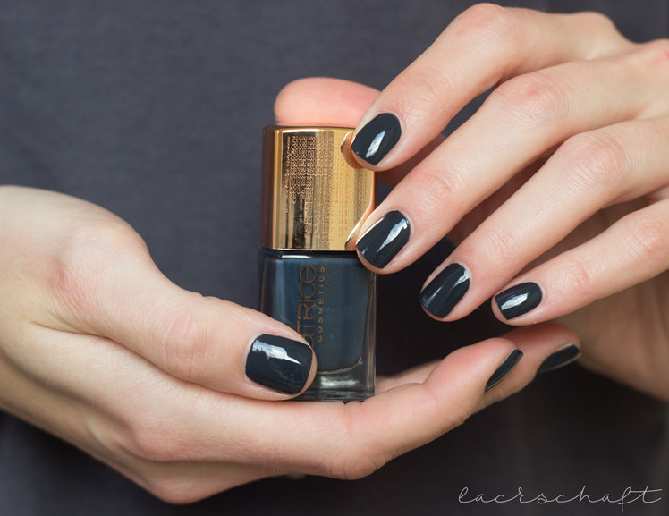 catrice-denim-divine-dark-denim-blue-nail-lacquer-bottleswatch