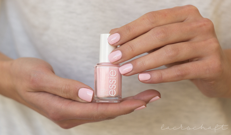 essie-romper-room-bootle-booth-hands-swatch