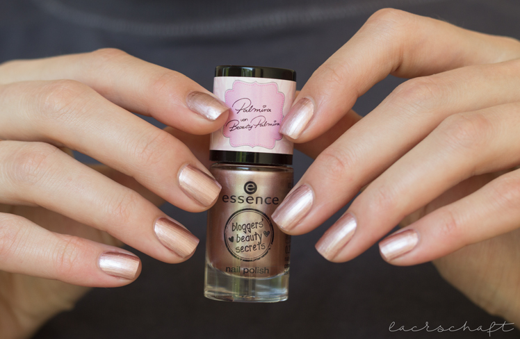 essence-bloggers-beauty-secrets-le-palmira-hello-beautiful-nail-polish-swatch