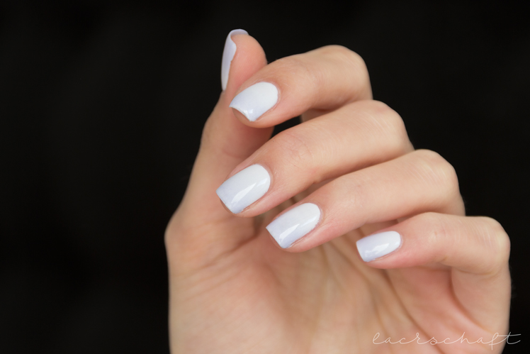 nailart-gradient-essie-find-me-an-oasis-virgin-snow-2