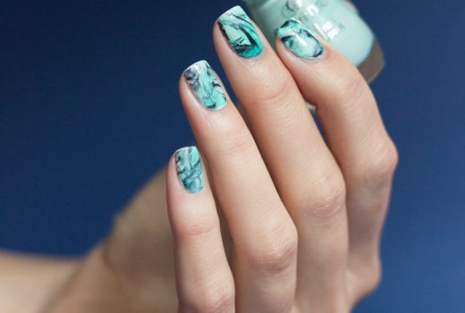 türkis-marble-stamping-essence-play-with-my-mint-p2-gloss-goes-neon-ferris-wheel-p2-eternal-nailart-1