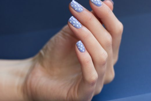 Kiko-light-lavender-338-nailart-swatch-polka-dots-4