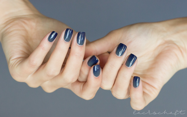 anny-gradient-velvet-chinchilla-denim-on-the-rocks-nailart-3