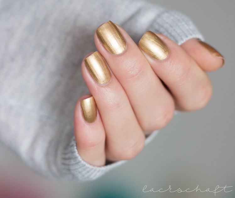 edding-laque-heavy-metals-naughty-nuggets-galactic-gold-strong-steel-metal-powder-swatch-4