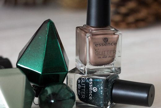 essence-glitter-in-the-air-nail-polish-03-too-glam-to-give-a-damn-nail-polish-04-born-to-sparkle-swatch