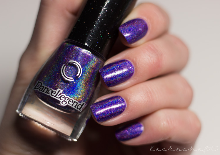 dance-legend-anthem-holo-holographic-nailpolish-swatch-4-light