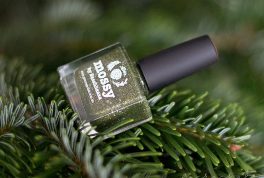 picture-polish-mossy-swatch-review-holo-indie-nailart-1