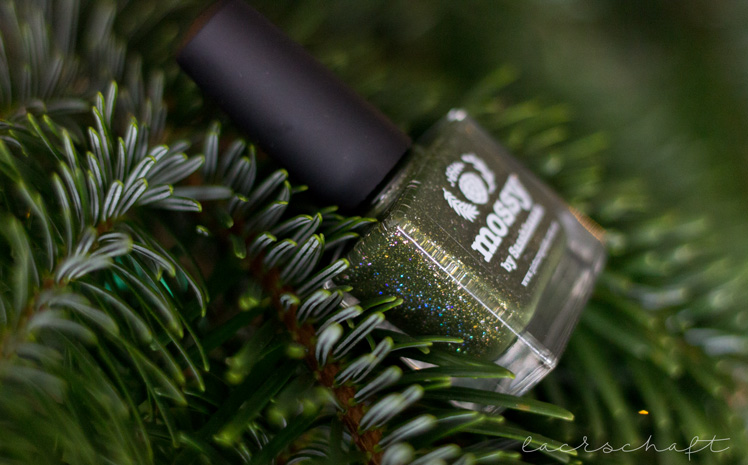 picture-polish-mossy-swatch-review-holo-indie-nailart-2