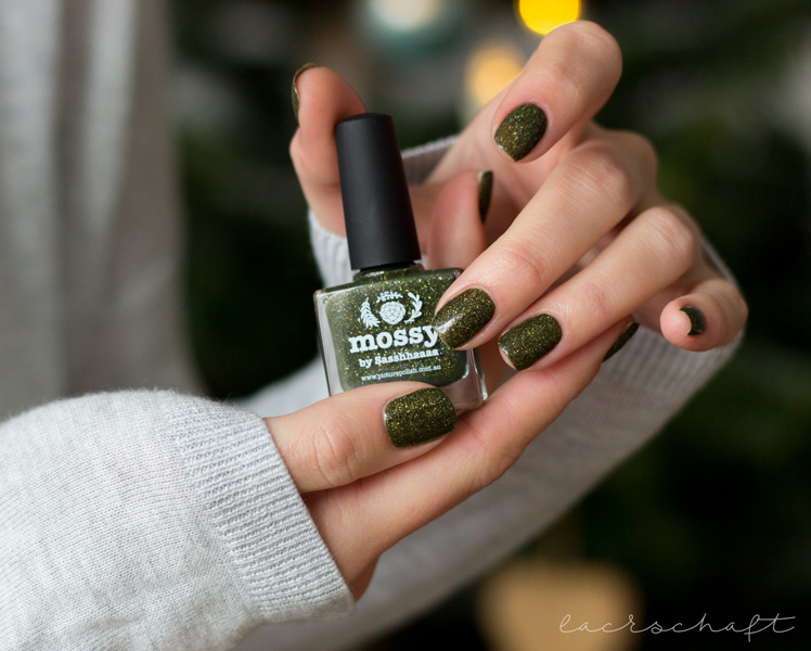 picture-polish-mossy-swatch-review-holo-indie-nailart-4