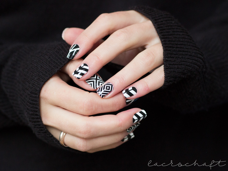 bornprettystore-bps-nailwraps-nailsticker-nagelsticker-23056-black-and-white-geometric-review-4