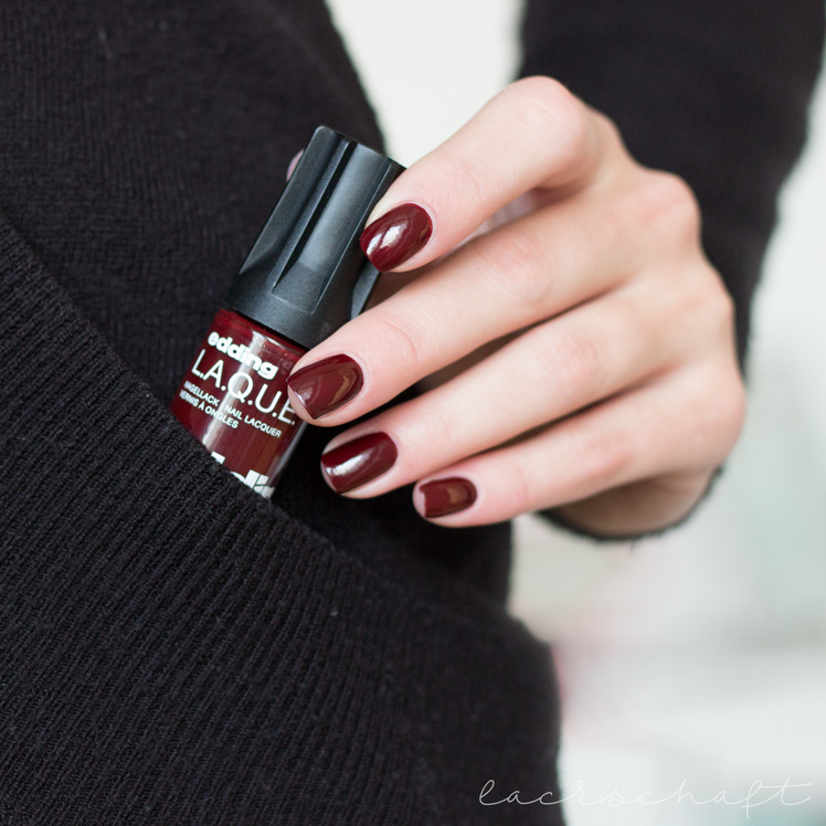 edding-laque-beautiful-berry-swatch-review-3