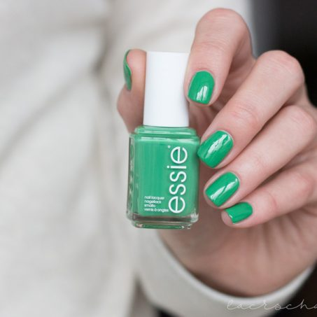 essie-spring-limited-edition-le-2017-on-the-roadie-swatch-1