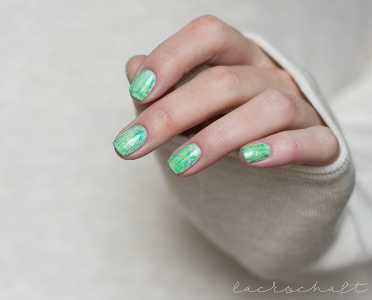 nailsreloaded-challenge-nailart-dry-brush-distressed-nails-essie-urban-jungle-p2-gloss-geos-neon-ferris-wheel-techno-chrome-enchanted-forest-nyx-hot-green-swatch-4