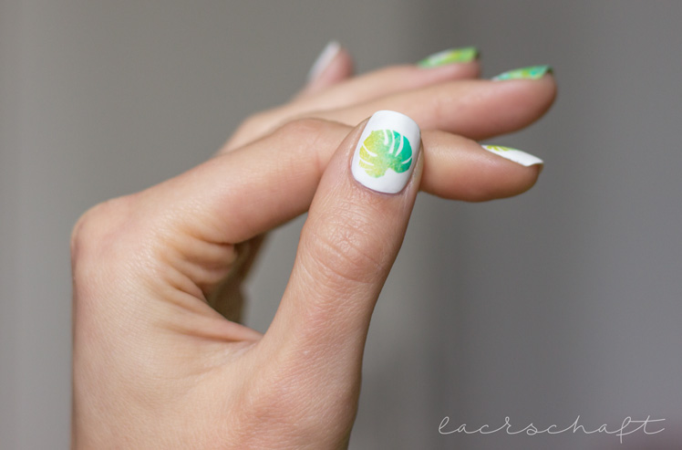 monstera-nailart-nailvinyls-svenjasnailart-trend-it-up-velvet-sensation-010-volume-and-shine-352-anny-surfing-crocodile-3