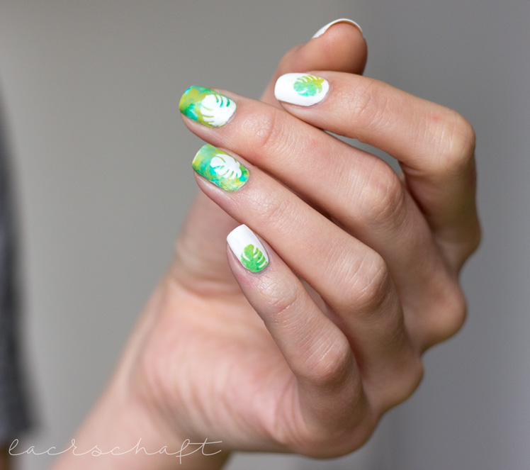 monstera-nailart-nailvinyls-svenjasnailart-trend-it-up-velvet-sensation-010-volume-and-shine-352-anny-surfing-crocodile-4