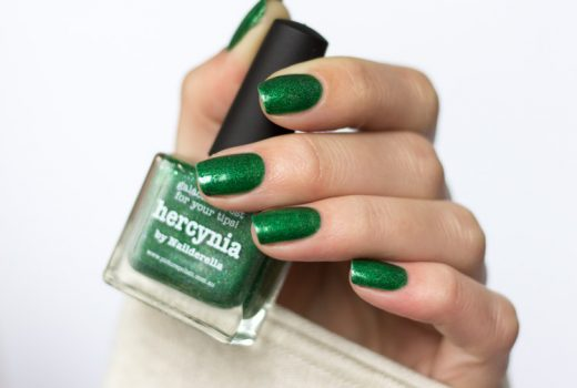 picture-polish-indiepolish-swatch-hercynia-1