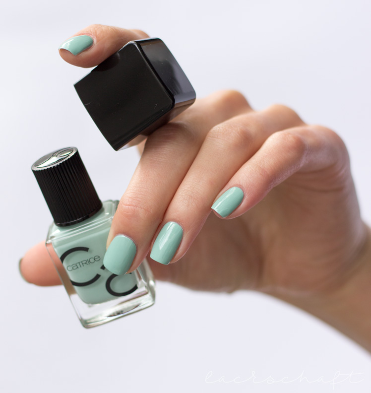 catrice-ICONails-Nagellack-Gel-lacquer-14-mint-map-swatch-review-1