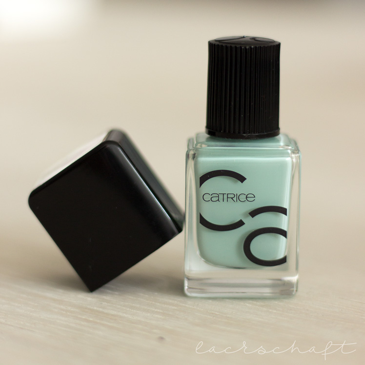 catrice-ICONails-Nagellack-Gel-lacquer-14-mint-map-swatch-review-pinsel-2