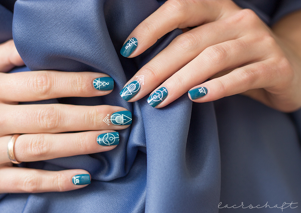 CND-Rhythm-and-heat-Collection-2017-Splash-of-Teal-Swatch-Stamping-Nailart-Moyou-Minimal-02-03-Vinylux-1