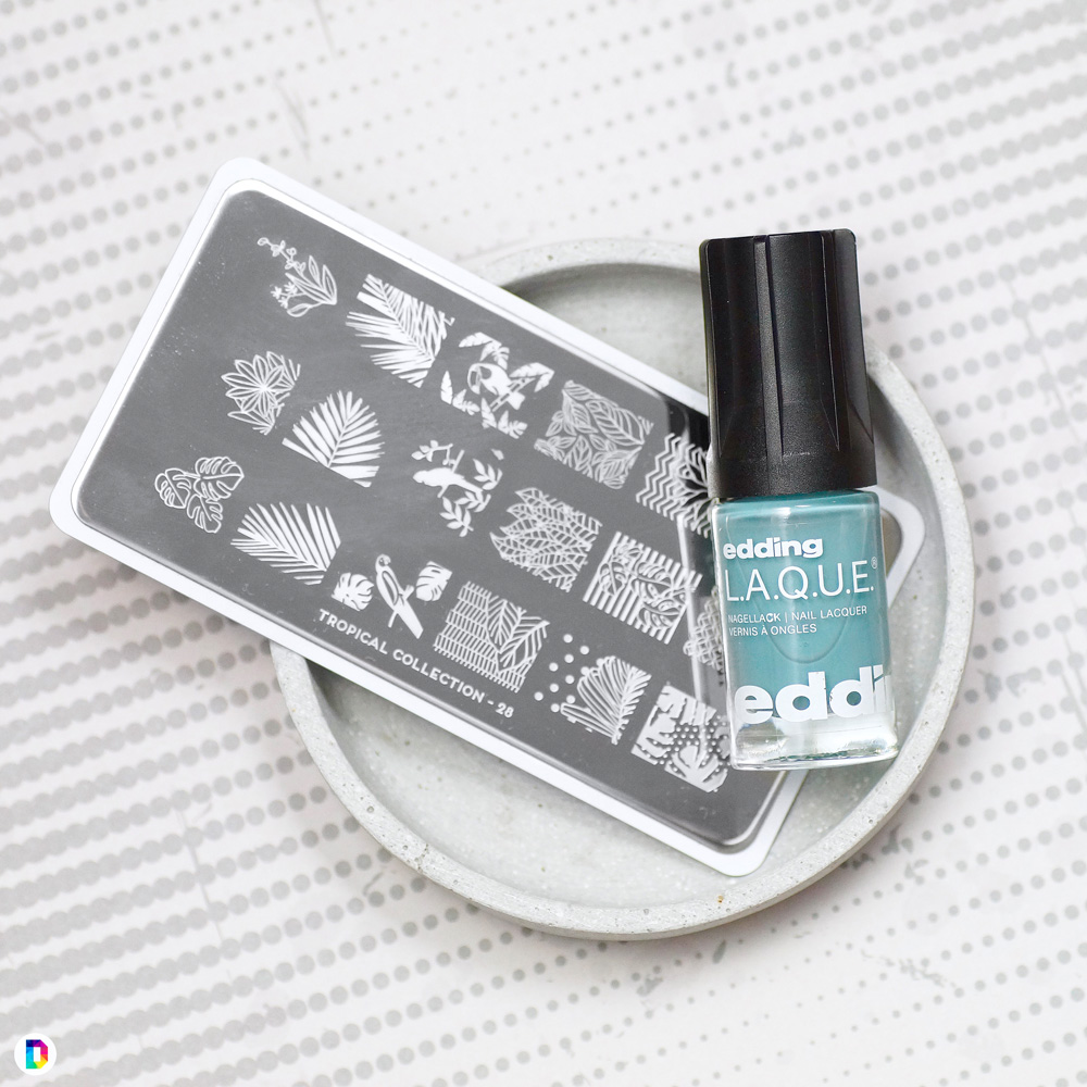 Edding-Laque-Rich-Pastels-Powder-Blue-Bottleshot-Stamping-Moyou-London-Tropical-28.jpg