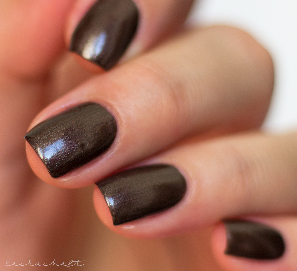 catrice-brown-collection-nail-lacquer-nailpolish-nagellack-01-fashion-addicted-swatch-sortimentsumstellung-2017-1