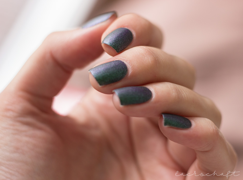 dance-legend-wood-goblin-Леший-matt-green-polish-lilac-shimmer-swatch-1