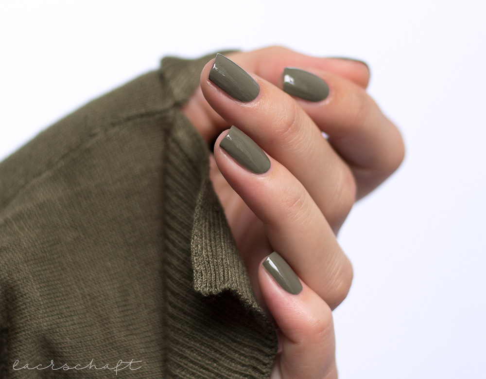 essie-wild-nudes-kollektion-collection-2017-exposed-swatch-1