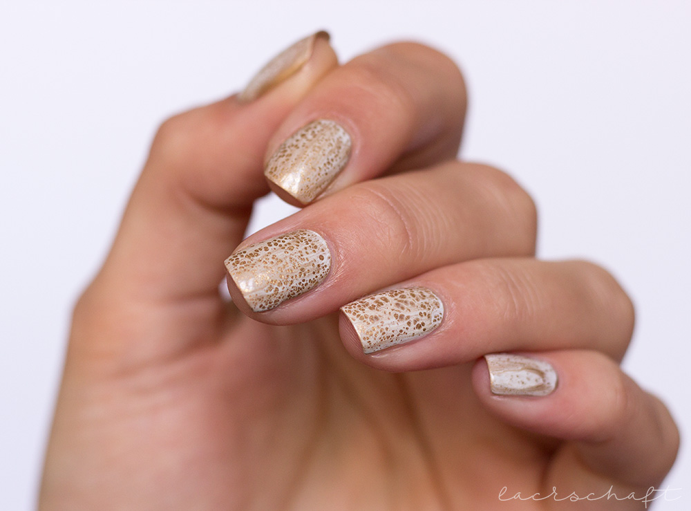 blogparade-frischlackiert-challenge-goldrausch-edding-laque-galactic-gold-dance-legend-spot-it-white-3