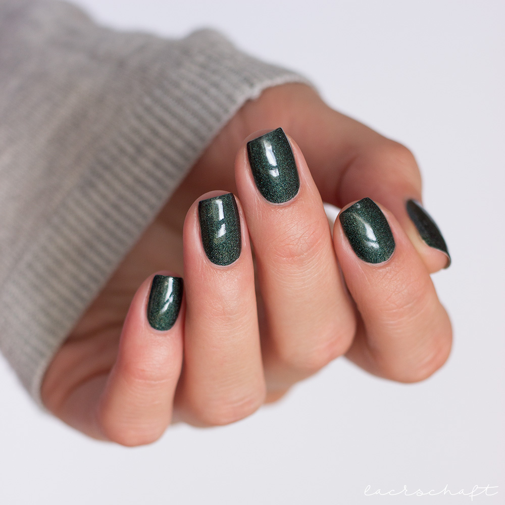 colour-alike-dark-holo-501-swatch-nails-2