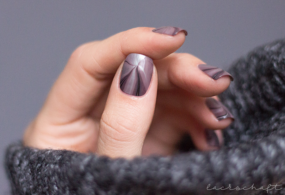 Anleitung-Watermarble-Lackphabet-W-Catrice-ICONails-10