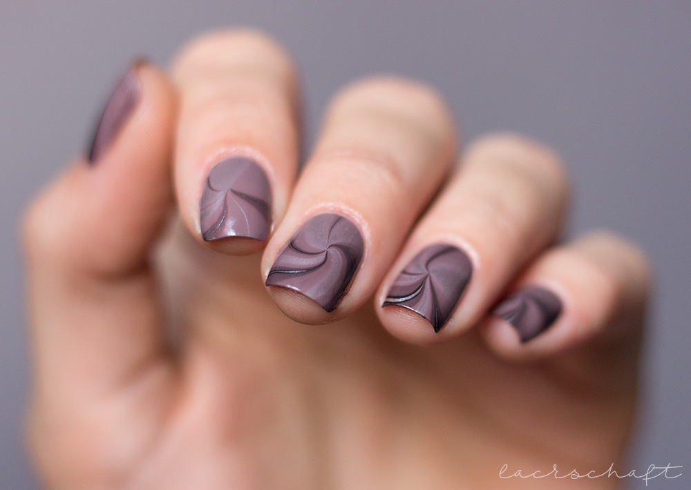 Anleitung-Watermarble-Lackphabet-W-Catrice-ICONails-9
