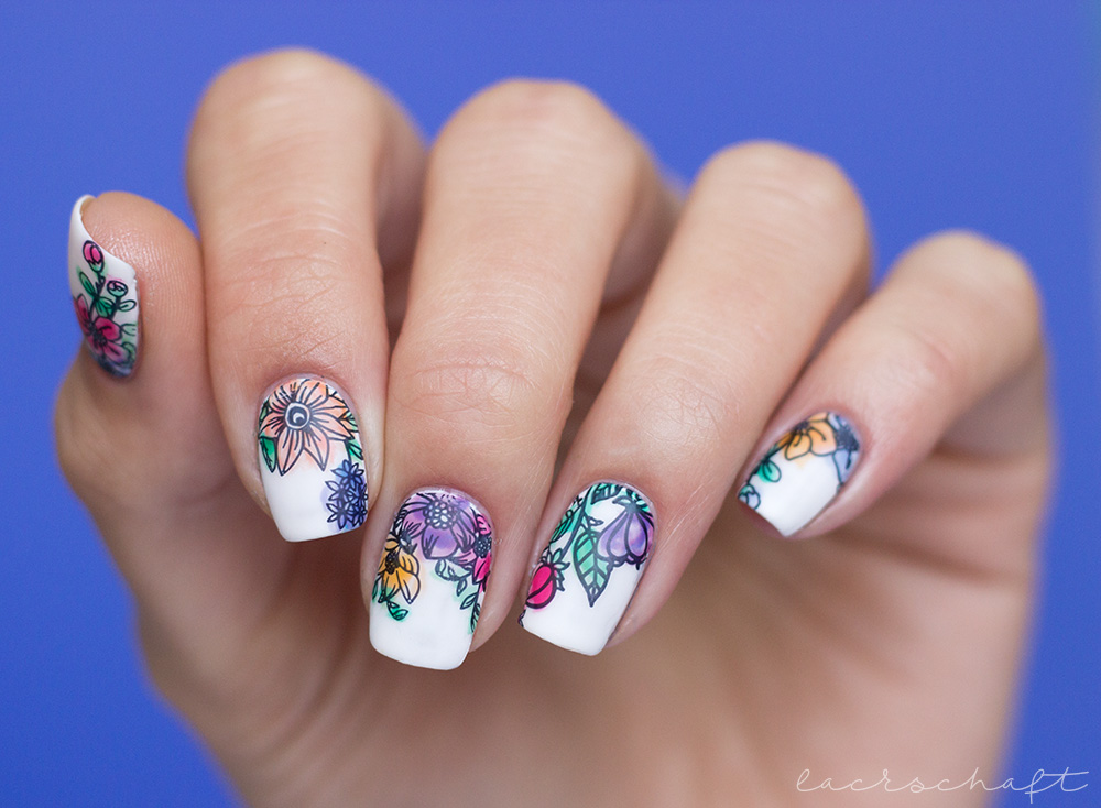 blogparade-frischlackiert-challenge-aquarall-nailart-moyou-flower-power-18-nails-1