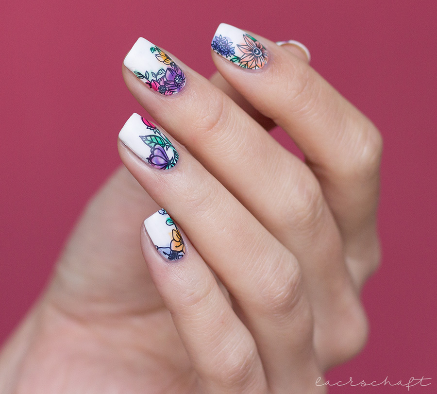 blogparade-frischlackiert-challenge-aquarall-nailart-moyou-flower-power-18-nails-2