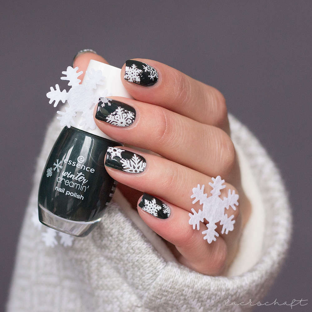 essence-winter-dreamin-LE-2018-Nailpolish-Nagellack-cozy-mounting-mornings-stamping-moyou-festive-02