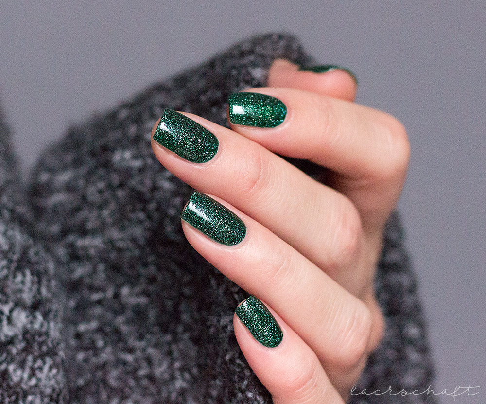 zoya-indie-polish-merida-swatch-2