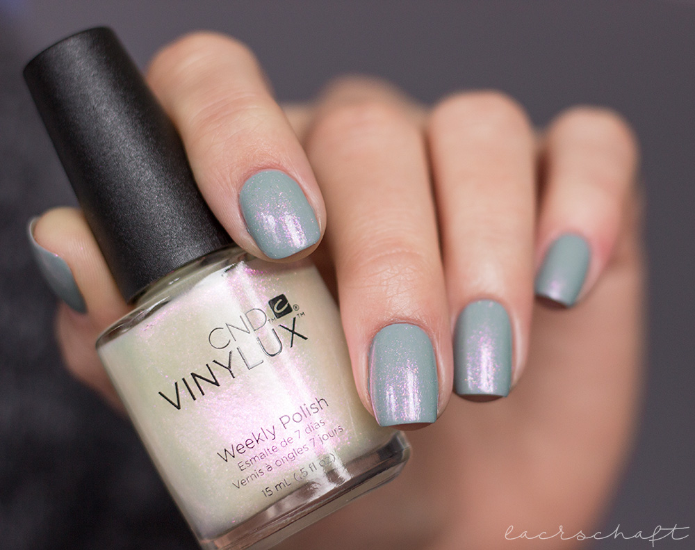CND-VINYLUX-Glacial-Illusion-Collection-swatch-nagellack-nailpolish-ice-bar-1
