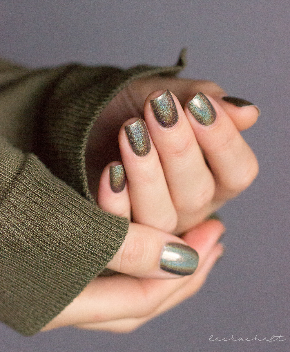 ILNP-Treehouse-ultraholos-indie-swatch-1