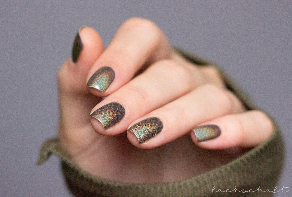 ILNP-Treehouse-ultraholos-indie-swatch-2