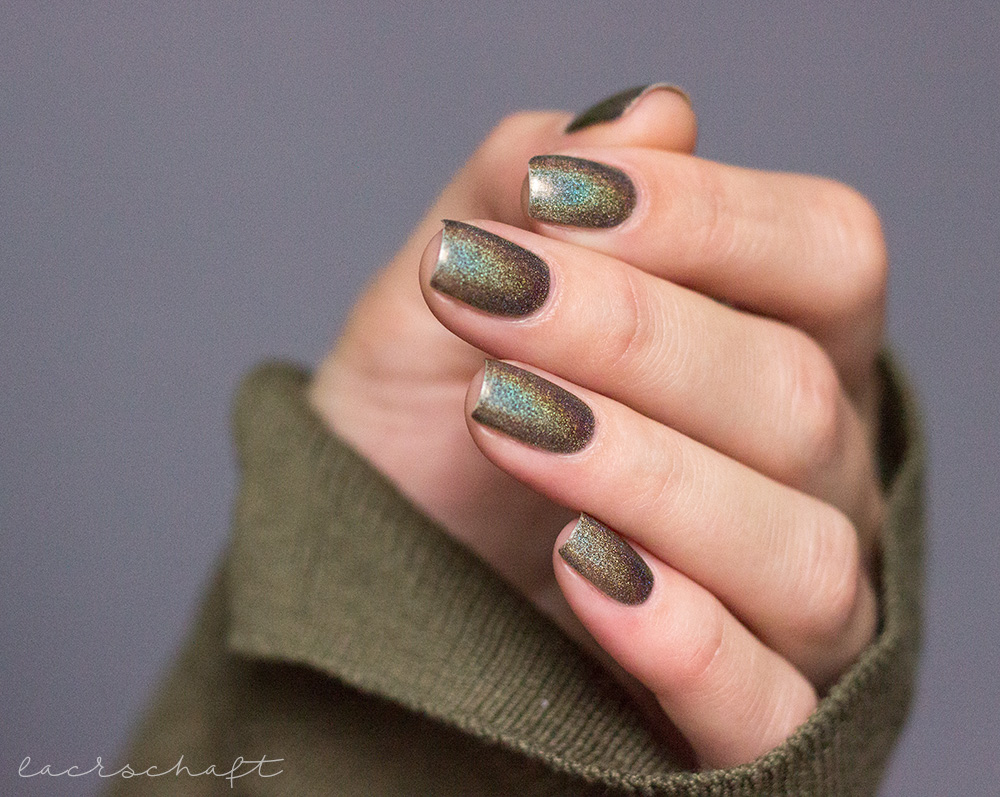 ILNP-Treehouse-ultraholos-indie-swatch-3