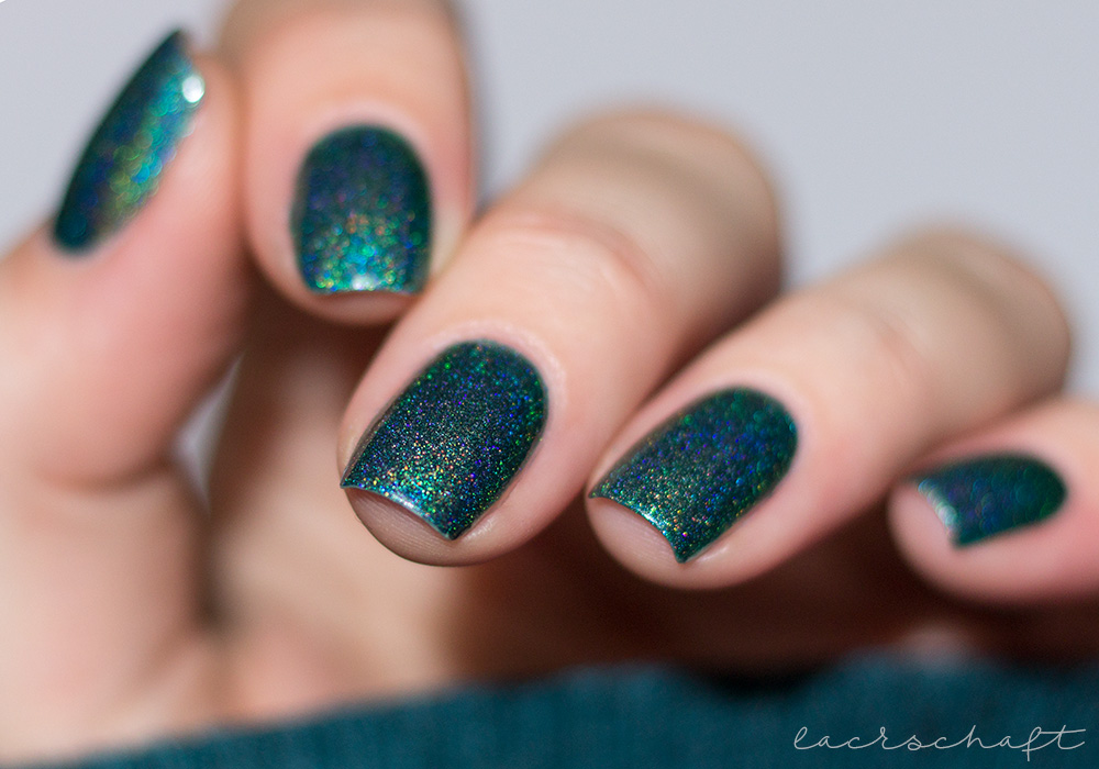 beautybigbang-dark-green-holo-J2448-9C-swatch-nagellack-2