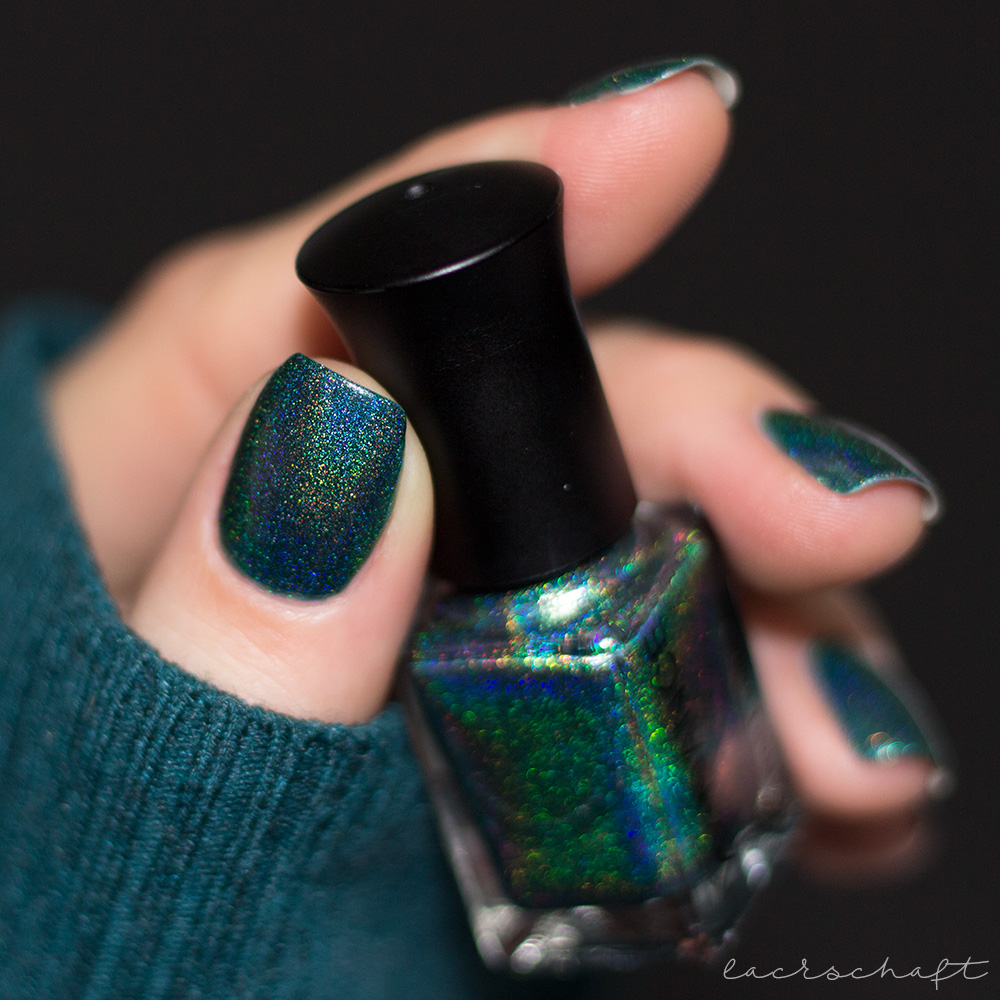 beautybigbang-dark-green-holo-J2448-9C-swatch-nagellack-4