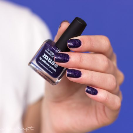 picture-polish-muse-Holo-Indie-Nails-nagellack-Swatch-1