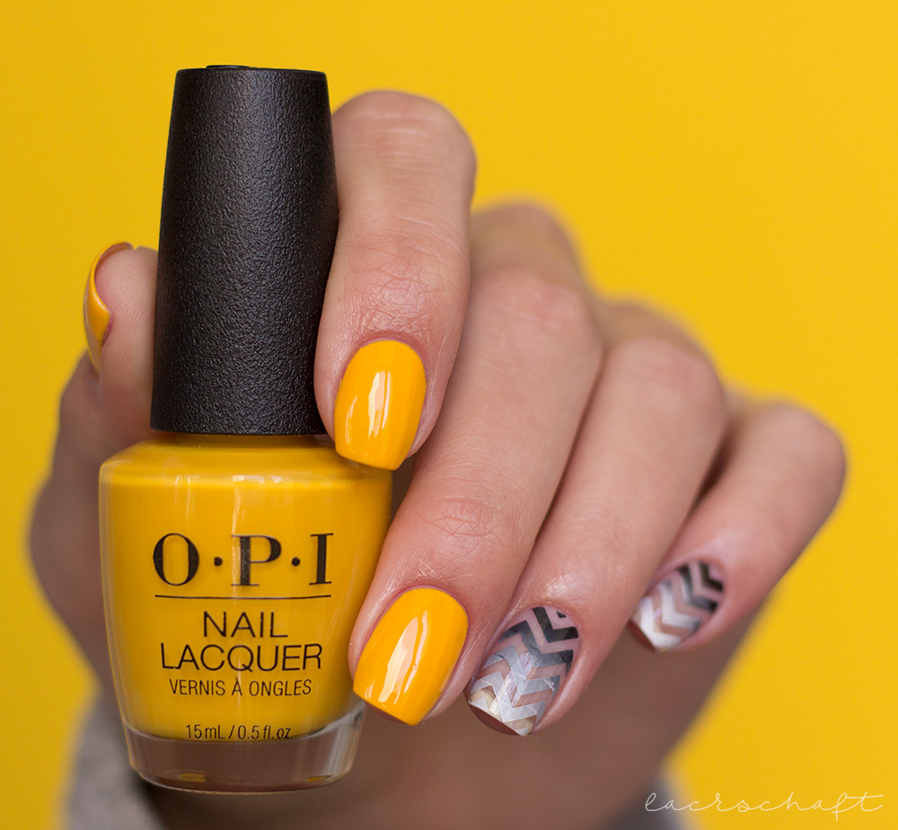 frischlackiert-challenge-cut-out-opi-lisbon-moyou-fashionista-04-stamping-2