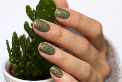 picture-polish-nailpolish-holo-Cactus-Swatch-1