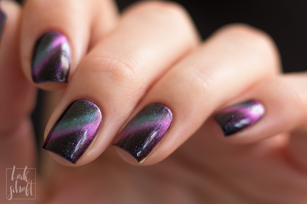 FUN-Lacquer-Mulitchrome-Magnetic-Believe-swatch-1