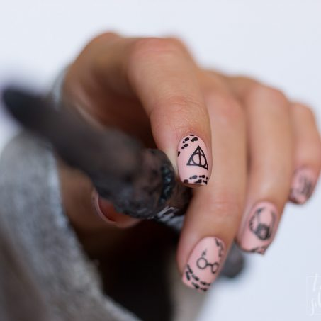 Harry-Potter-Nailart-Frehand-magic-Wizard-1